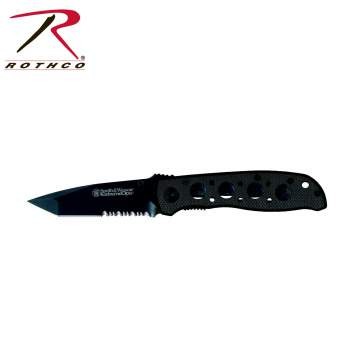 Smith & Wesson Extreme OPS Real Folding Knife,ops folding knife,smith and wesson,knife,knives,extreme ops knife,extreme ops knives,smith and wesson knife,smith and wesson knives,pocket knife,pocket knives,black,black knife,Zombie,zombies