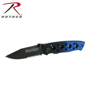 Smith & Wesson Extreme OPS Real Folding Knife,ops folding knife,smith and wesson,knife,knives,extreme ops knife,extreme ops knives,smith and wesson knife,smith and wesson knives,pocket knife,pocket knives,black,black knife,blue,black and blue knife,Zombie,zombies